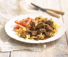 Warm pasta smothered with tender beef tips. │Rich & Tender Beef Tips Recipe Beef Tip Recipes, Beef Tips, Fall Recipes, Gourmet Recipes, Great Recipes, Cooking Recipes, Favorite Recipes, Gourmet Foods, Crock Pot Slow Cooker