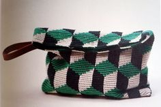 Kuutio-pikkulaukku pattern by Molla Mills