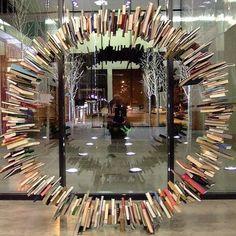 Boekenkunst in de Kansas City Public Library.