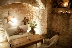 Home Staging, Spanish Party, Decoracion Low Cost, Madrid Restaurants, Coffee Places, Entryway Tables, Interior Design, Nice, Furniture
