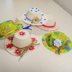 Dekohut aus Muffinförmchen - einfach nur Süß! http://inesfelix-kreativ.blogspot.com/2015/04/hute-aus-muffinformchen.html