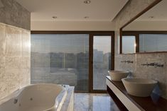 Image 11 of 17 from gallery of House Ef / Fritz + Fritz Arquitectos. Photograph by Fritz + Fritz Arquitectos Casa Patio, Room Furniture Design, Bathroom Images, Mirror Bathroom, Modern Bathroom Design, Bathroom Designs, Bathroom Ideas, Space Architecture, Celebrity Houses