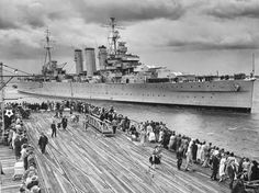 A County Class heavy cruiser. Australian Defence Force, Royal Australian Navy, Heavy Cruiser, Capital Ship, Naval History, War Image, Big Guns, Armada, Navy Ships