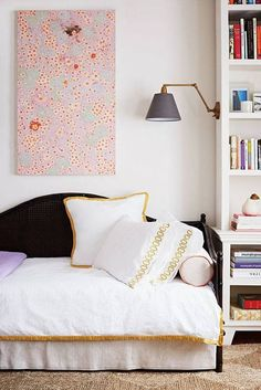 Save this to get home decor inspo from dreamy daybeds.