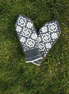 Ravelry: Fina Evelina pattern by JennyPenny Knit Mittens, Mitten Gloves, Free Knitting, Knitting Patterns, Knitting Increase, Learn How To Knit, Photo Tutorial, Ravelry, Free Pattern