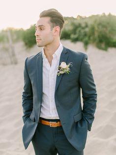 groom attire casual Grey Suits - New Ideas Groom Attire Rustic, Groom Attire Black, Groom And Groomsmen Attire, Groom Outfit, Rustic Groom, Navy Groom, Vintage Groom, Groomsmen Outfits, Groom Tuxedo