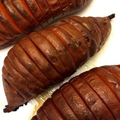 Hasselback (Accordion) Baked Sweet Potatoes Recipe (Paleo) These gorgeous hasselback sweet potatoes Roasted Potato Recipes, Sweet Potato Recipes, Roasted Potatoes, Easy Spanish Paella Recipe, Sweet Potato Skins, Healthy Potatoes, Paleo Recipes, Sausage Recipes