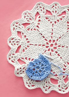kuva Crochet Doilies, Knit Crochet, Crochet Earrings, Mandala, Embroidery, Stitch, Blanket, Rugs, Crochet Motif