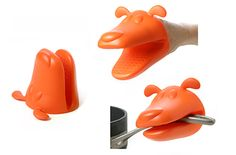 Follow your animal instincts in the kitchen...put on this Dog ovenproof mitt before touching anything hot!  It has a silicone body that can really take the heat, plus its mega mouth opens wide to protect you from burns while putting a smile on your face at the same time.