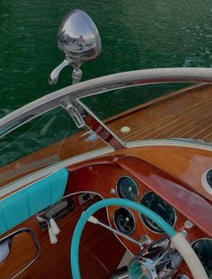 Riva Yachts, Riva Boat, Italy Travel, White Wine, Boat Shoes, Alcoholic Drinks, Luxury, Glass, Design