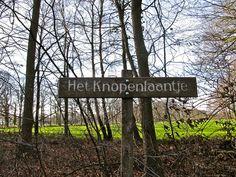 In de buurt van Kasteel Vorden is het knopenlaantje. | Flickr - Photo Sharing!