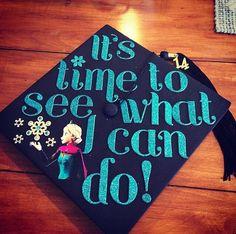 My sisters Frozen graduation cap! Disney Graduation Cap, Graduation Cap Designs, Graduation Cap Decoration, Preschool Graduation, Grad Cap, High School Graduation, Graduation Ideas, Crafty Craft, Crafting