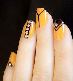 Lovely Yellow Nail Art Design