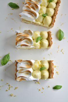 Lemon Meringue Pie - That's Amore! Lemon Meringue Tart, Baklava Recipe, Lemon Basil, Sweet Bread, Food Photography, Food Porn, Cooking Recipes, Yummy Food, Beignets