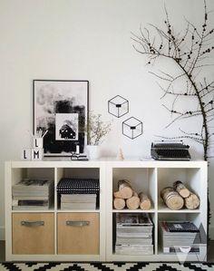 """Scaffali KALLAX Ikea! Ecco 15 idee per usarlo in maniera creativa... Ispiratevi! Scaffali KALLAX IKEA. Buongiorno a tutti! Ormai conosciamo tutti i famosi scaffali """"KALLAX"""" dell'IKEA vero? Questi scaffali molto modulabili con la loro forma quadrata e..."""