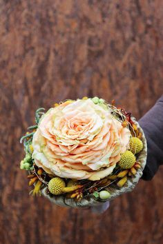Custom bouquet are all the trend in 2014, check this one out.Stefan Göttle • #texture