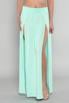 Maxi double slit skirt by Appealing Boutique// I need this skirt in my life Dance Outfits, Dance Dresses, Mint Skirt, Mint Maxi, Split Skirt, Belly Dance Costumes, Diy Clothes, Beach Clothes, Dress Skirt
