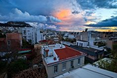 #Athens afte the rain is just amazing! Think of the perfect city break, and then visit a Greek city! www.keytours.gr
