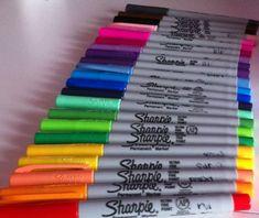 Resultado de imagem para sharpies on seashells Sharpies, Sharpie Markers, Sharpie Crafts, Sharpie Art, Tape Crafts, Sharpie Colors, Cool School Supplies, Stationary School, Permanent Marker