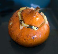 Pumpkin Carving, Yummy Food, Yummy Yummy, Gluten, Casseroles, Vegetables, Cooking, Recipes, Stuffed Pumpkin