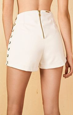 Short's with back zip Morena Rosa Cool Outfits, Summer Outfits, Fashion Outfits, Womens Fashion, Bermudas Fashion, Short Skirts, Short Dresses, Look Con Short, Chor