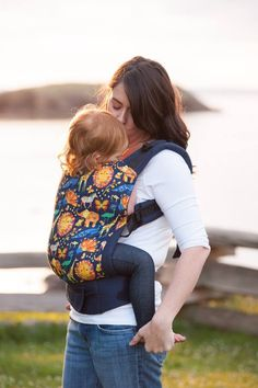 Canvas - Babyz A GoGo Exclusive 'In The Wild' TULA BABY CARRIER; May 2015