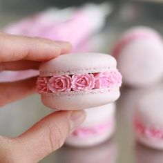 """""""I can't believe how much attention my macaron blossoms got. I want to thank you all those that noticed it and helped them blossom across… Cute Food, Yummy Food, Kreative Desserts, Macaron Cookies, Macaroon Recipes, Wilton Cakes, Cute Desserts, Aesthetic Food, Mini Cakes"""