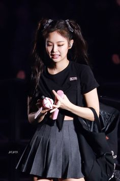 Find images and videos about kpop, blackpink and jennie on We Heart It - the app to get lost in what you love. Blackpink Jennie, South Korean Girls, Korean Girl Groups, Rapper, Black Pink, Blackpink Fashion, Poses, Look At You, Ulzzang Girl