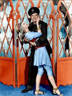 Virginia Mayo movie stills | ... secrète de walter mitty - Virginia Mayo - Danny Kaye Image 1 sur 2