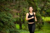 """Menschen mit zu hohem Cholesterinspiegel können durch regelmäßigen Ausdauersport das """"gute"""" HDL Cholesterin erhöhen. Zudem wirkt sich Bewegu..."""