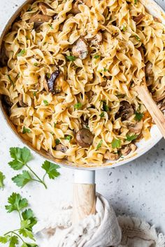 This healthy mushroom stroganoff made with shiitake, baby portabella, and cremini mushrooms and noodles in a light creamy sauce is a quick and easy meal, perfect for Meatless Mondays! #mushrooms #stroganoff Pasta Recipes, New Recipes, Cooking Recipes, Favorite Recipes, Healthy Dinner Recipes, Vegetarian Recipes, Healthy Dinners, Lotsa Pasta, Mushroom Stroganoff