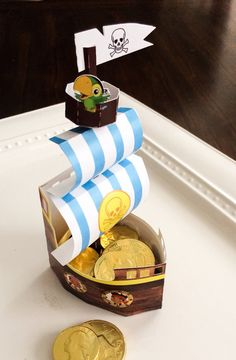 Jake and the Neverland Pirates or Spongebob ship favor boxes Pirate Party Favors, Pirate Party Decorations, Pirate Theme, Baby First Birthday, 1st Birthday Parties, Birthday Ideas, Pirate Birthday Cake, Pop Up Invitation, Favor Boxes