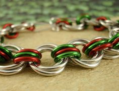 Christmas Bracelet Kit - Grand Linked Loops II Chainmail - Beginners or Beyond. $18.00, via Etsy.