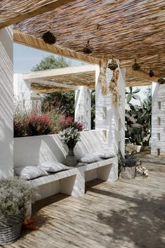 The inimitable allure of European minimalism. white washed walls set amongst an olive grove layered in linens, flickering candles and rustic touches. Outdoor Spaces, Outdoor Living, Outdoor Decor, Outdoor Ideas, Porches, White Wash Walls, Bali House, Mediterranean Garden, Mediterranean Wedding