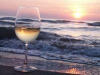 Ciò che si chiede, anzi si esige, è il risveglio delle coscienze per tramandare un bagaglio culturale che si è affinato e arricchito nei secoli e che non vogliamo, non dobbiamo perdere. È una lotta per insegnare ad assaporare la vita, insegnare ad apprezzarla anche nei momenti difficili ai giovani. E preservare il territorio e l'ambiente | www.vinoway.com | @gaetanocontento | #marketing #vino #enogastronomia #turismo #vinoway #acinus