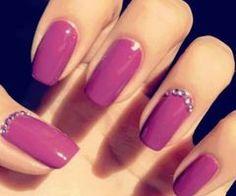 Pink #nails and #rhinestones