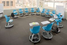 i'd love to be in a classroom with these desks!