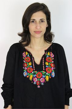 Embroidery Hungarian Hungarian embroidery blouse / embroidered by PaintYourWagonShop Hungarian Embroidery, Folk Embroidery, Embroidery Patterns, Embroidered Blouse, Embroidered Flowers, Stitch Head, Mexican Fashion, Chain Stitch Embroidery, Embroidery On Clothes
