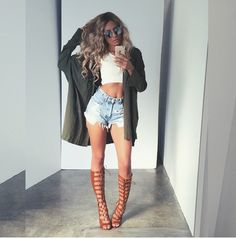 desi perkins outfit: spring/summer, shorts, gladiator sandals, crop top, light cardigan