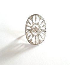 """Bague Djula """"Soleil or et diamants"""" 2400 Euros au lieu de 4000 Euros neuve. www.BijouxAnciens.Paris"""