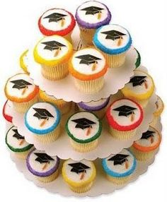 Cheap Graduation Cupcake Cake can be a great gift, or in addition to the table of a theme party or special occasion. Graduation Open Houses, High School Graduation, Graduation Ideas, Graduation 2015, Cupcake Images, Cupcake Ideas, Dessert Ideas, Graduation Cupcakes, Cupcake Bakery