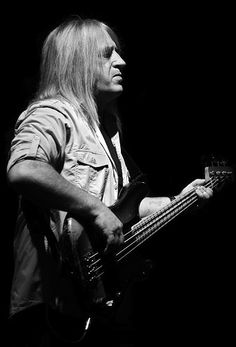 TREVOR BOLDER:     (1950 - 2013) -     BASS PLAYER FOR DAVID BOWIE