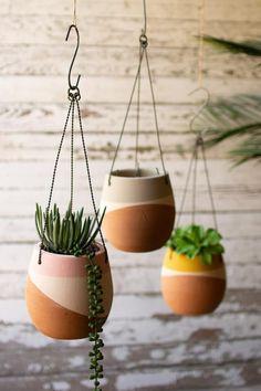 Terracotta Pots, Ceramic Planters, Clay Planter, Pots D'argile, Deco Pastel, Painted Plant Pots, Decoration Plante, Clay Pot Crafts, Macrame Plant Hangers