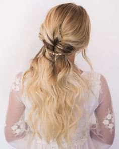 Simple and romantic bridal hair.  #hairandmakeupbysteph photo by @chantelmarie extensions: @bombshellextensions model: @burnitbeauty
