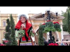 ▶ EPCOT Christmas Story - La Befana (The Good Witch) - Italy - YouTube