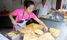 After struggling to find food she can eat on a trip to China, one desperate vegetarian gets some help from a local foodie