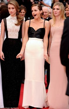 Cannes 2013 - Taissa Farmiga in Valentino, Emma Watson in Chanel e Claire Julien in Emilio Pucci - Day 2 (montée des marches The Bling Ring)