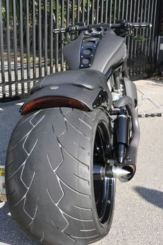A forum community dedicated to Harley Davidson V-Rod Motorcycle owners and enthusiasts. Vrod Harley, Motos Harley, Harley Bobber, Harley Softail, Harley Davidson V Rod, Harley Davidson Motorcycles, Custom Street Bikes, Custom Bikes, Vrod Custom