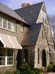 @Evergreen Natural Vermont #slate #roofing, Vermont Black color with #copper flashings.