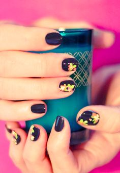 Try out this DIY Floral Nail Art! Click here for the photo tutorial.